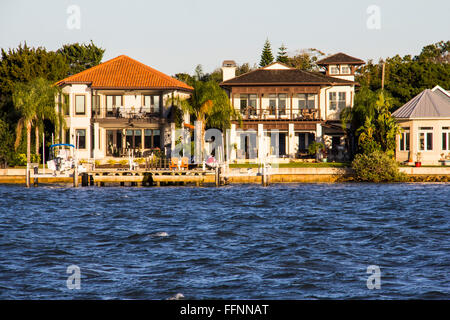 Luxury homes on Anastasia Island look out over Matanzas Bay in St. Augustine, FL. - Stock Photo