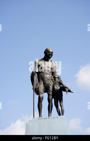 Statue Of Mahatma Gandhi And Local Village Girl  Made By Artist Harish B Talim Mahatma Gandhi Circle Old Goa , Velha - Stock Photo