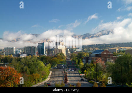 View of capital boulevard and the Idaho state capitol building on a misty morning in downtown Boise, Idaho, USA. - Stock Photo