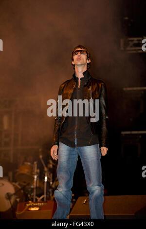 Richard Ashcroft performing with The Verve, Pyramid Stage ,Glastonbury Festival 2008. Somerset, England, United - Stock Photo