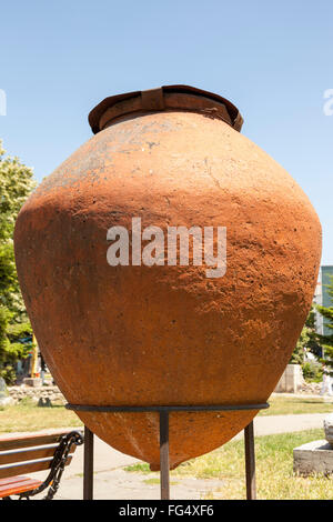 Large urn exhibit in the Archaeological Park, Parcul Primariel, Constanta, Romania - Stock Photo