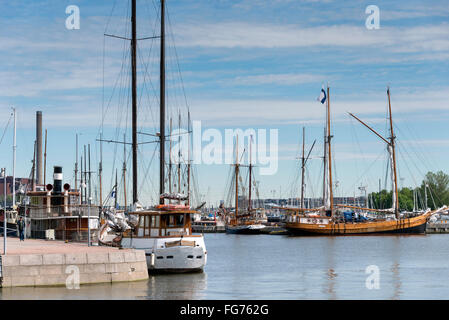 Boats moored on Pohjoisranta (E75), North Harbour (Pohjoissatama), Helsinki, Uusimaa Region, Republic of Finland - Stock Photo