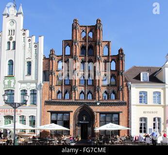 geography / travel, Germany, Mecklenburg-West Pomerania, Wismar, buildings, Am Markt, 'Alter Schwede' (building), - Stock Photo
