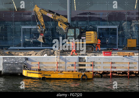 The wharfage is under construction at berth 7 at the cruise ship terminal in Warnemuende, Germany, 02 February 2016. - Stock Photo