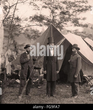 US civil war scene - Abraham Lincoln with top hat