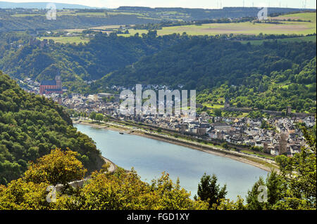 Town Oberwesel in the valley of the Middle Rhine with town wall and watchtowers, Upper Middle Rhine Valley, Germany - Stock Photo