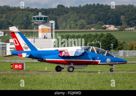 Patrouille de France, the national formation display team of the French Air Force (Armee de l'Air) in their Alpha - Stock Photo