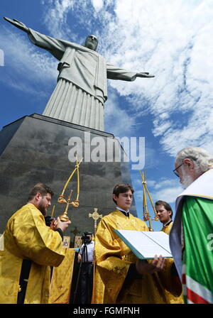 RIO-DE-JANEIRO, BRAZIL.FEBRUARY 19, 2016. Patriarch Kirill (R) of Moscow and All Russia conducts a service by he - Stock Photo