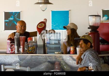Griechenland, Kreta, Ireapetra, Taverne auf der unbewohnten Insel Chrissi - Stock Photo