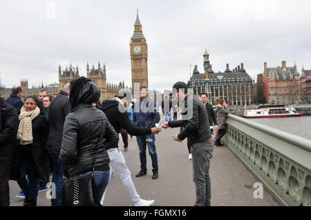 London, UK, 21 February 2016, 8 games in progress at the same time on Sunday morning as Romanian scammers use the - Stock Photo