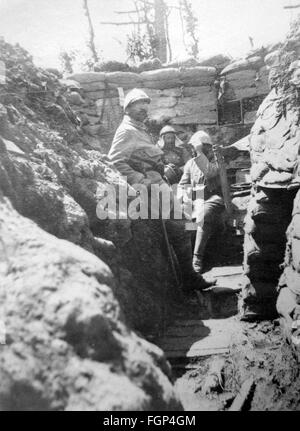 World war 1 french soldiers in a trench title 39 the - Battlefield 1 french soldier ...