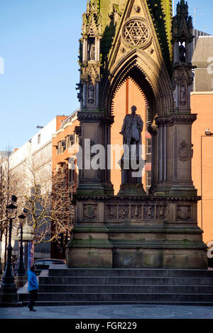 Manchester, UK - 15 February 2016: Outside Manchester Town Hall in Albert Square, The Albert Memorial - Stock Photo