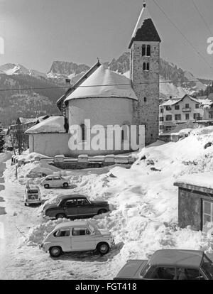 geography / travel, Italy, San Martino di Castrozza, Trentino, Romanesque church, exterior view, 1960s, Additional - Stock Photo