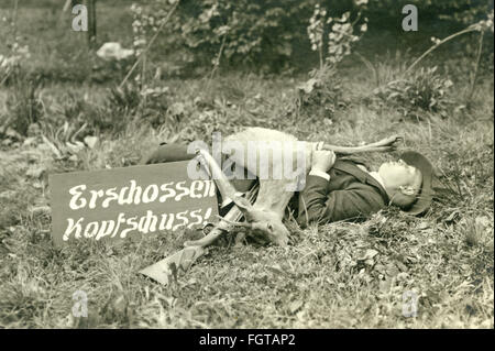 hunt, hunter with roebuck, Neheim, Sauerland, Germany, circa 1926, Additional-Rights-Clearences-NA - Stock Photo