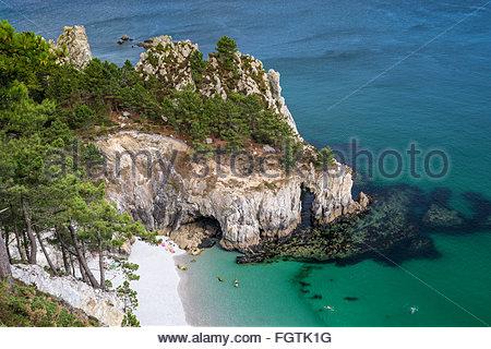 Plage de l'Ile Vierge (Virgin island beach) on the Pointe de Saint-Hernot in Crozon, Brittany, France - Stock Photo