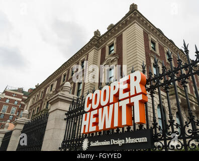 Cooper Hewitt Smithsonian Design Museum exterior and logo sign on 5th Avenue, New York City - Stock Photo