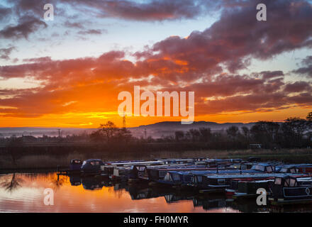 Rufford, Burscough, Preston, Lancashire, UK 16th February, 2016.  UK Weather.  Cold, Bright, Start to the day for - Stock Photo