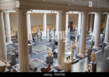 Leon Levy and Shelby White Court, the center piece of the Roman and Greek galleries at the Metropolitan Museum of - Stock Photo