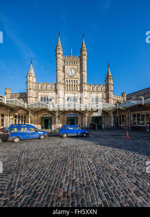 Forecourt of Temple Meads railway station Bristol on the Great Western Railway - Stock Photo