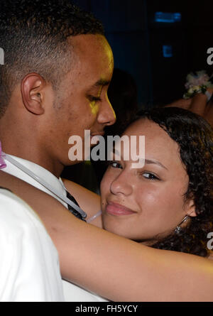How to Slow Dance at a Formal or Semi Formal Dance How to Slow Dance at a Formal or Semi Formal Dance new foto
