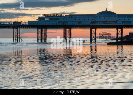 Evening on Brighton beach at low tide, East Sussex, England. - Stock Photo