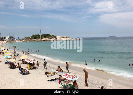 Rio de Janeiro, Brazil, 24 February 2016: With the strong heat, passing the 35 degrees celsius, locals and tourists - Stock Photo
