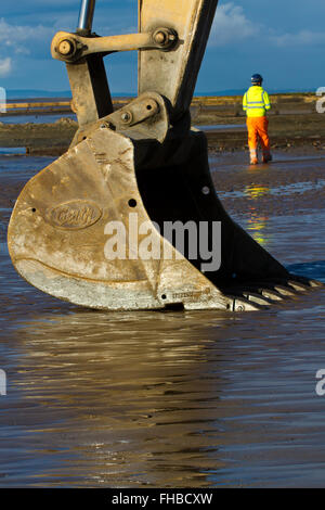Blackpool, Fleetwood, Lancashire, UK. 24th February, 2016. Rossall Coastal defence £86million project resumes.  - Stock Photo