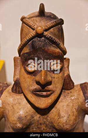 ZAPOTEC FIGURE in the CULTURAL MUSEUM OF OAXACA or Museo de las Culturas de Oaxaca - MEXICO - Stock Photo