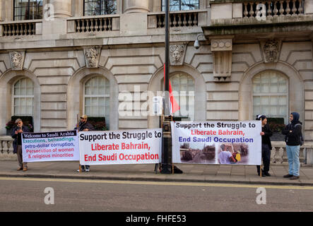 Curzon Street, London, UK - 25th February, 2016: Outside the Saudi Arabian Embassy in Mayfair a small demonstration - Stock Photo