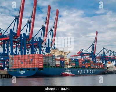 Container Vessel 'HYUNDAI BRAVE' of Hyundai berthed at CTA Container Terminal Altenwerder in the Port of Hamburg, - Stock Photo
