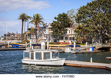 Photo of waterfront luxury homes in newport beach in - Maison d architecte orange county californie ...