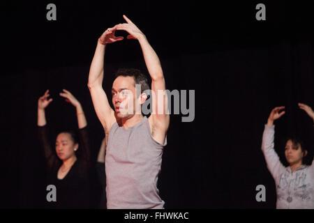 Edinburgh, Scotland. UK. 26 February. Preview dancers and choreographers Errol White and Davina Givan will perform - Stock Photo