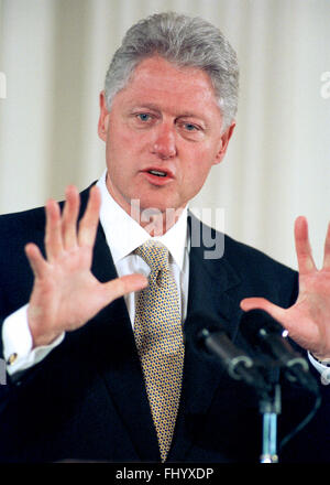 Washington, District of Columbia, USA. 27th Feb, 2016. United States President Bill Clinton makes opening remarks - Stock Photo