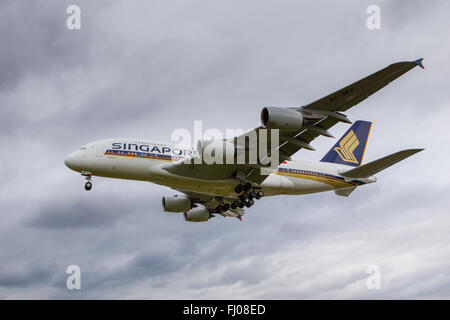 SIngapore Airlines Airbus A380 Aircraft Superjumbo - Stock Photo