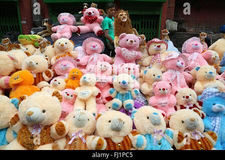 Stuffed animals / teddy bears for sale in New market , Kolkata, India - Stock Photo