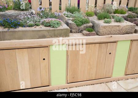 Malvern spring festival rhs show designer pip probert of for Pip probert garden designer