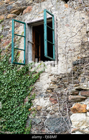 Altes Fenster altes fenster ancient window stock photo 97256467 alamy