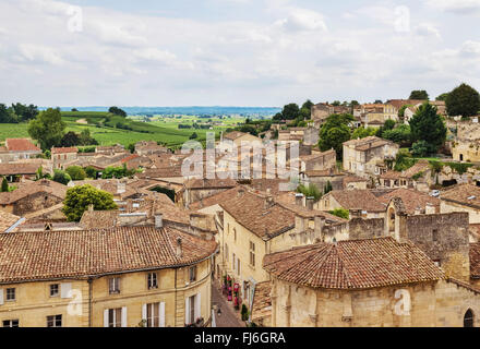 Old town of Saint-Emilion, one of the principal red wine areas of Bordeaux, France. - Stock Photo