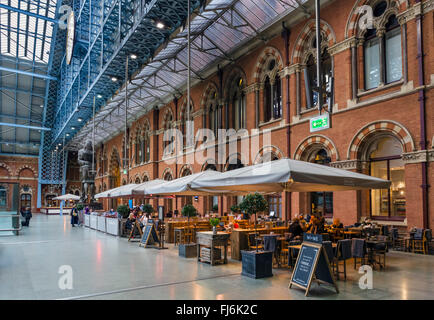 MI + ME restaurant at St Pancras International railway station, London, England, UK - Stock Photo
