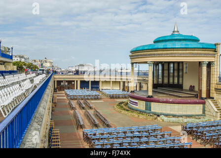 Bandstand at Eastbourne Beach, East Sussex, South England.| Musikpavillon Strand von Eastbourne, East Sussex, Suedengland - Stock Photo