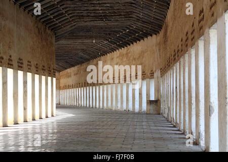 Tunnel entrance leading to Shwezigon Paya Pagoda in Nuang U, Bagan, Myanmar (Burma) - Stock Photo