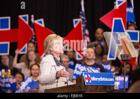 Democratic presidential candidate Hillary Rodham Clinton thanks supporters celebrating her victory in the South - Stock Photo