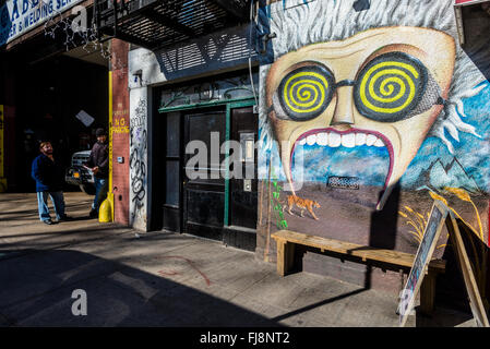 New York, NY - 26 February 2016 - Mural on the front of an East Village building. ©Stacy Walsh Rosenstock/Alamy - Stock Photo