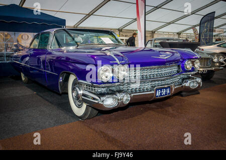 Full-size luxury car Cadillac Fleetwood Series 70 Eldorado ...