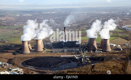 aerial view of Fiddlers Ferry Power Station near Widnes, Cheshire, UK - Stock Photo