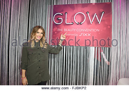 glow the beauty convention at jahrhunderthalle featuring. Black Bedroom Furniture Sets. Home Design Ideas