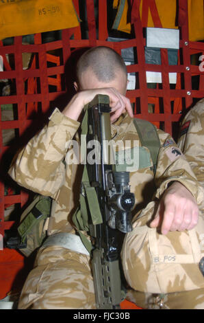 The welsh guards battel group on there tour of duty in Iraq 2004. they were posted just out side al Arhmar in southern - Stock Photo