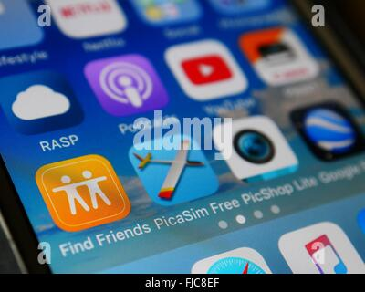 Apple Iphone screen sowing apps - Stock Photo