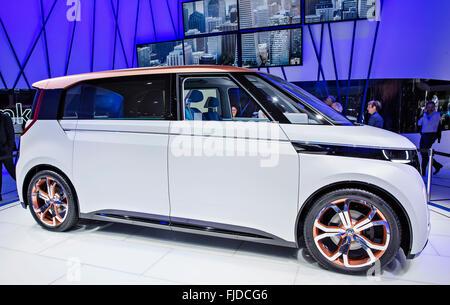 Studie MPV Volkswagen BUDD-e - Stock Photo