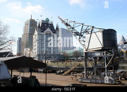 19th century crane at Scheepshelling Koningspoort (old wharf) Het Witte Huis (White House) built in 1898, Rotterdam, - Stock Photo